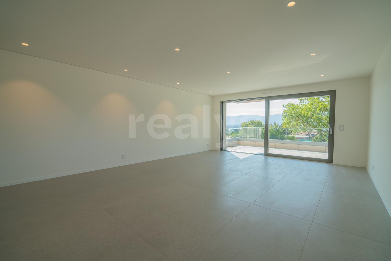 PrivaliaBeautiful 6-room flat in a new high-end residence
