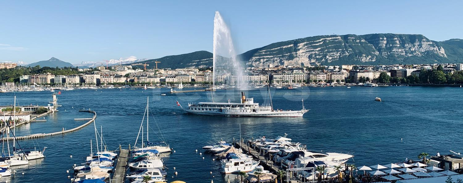 PrivaliaUnique : Splendid flat with panoramic view on the harbour of Geneva